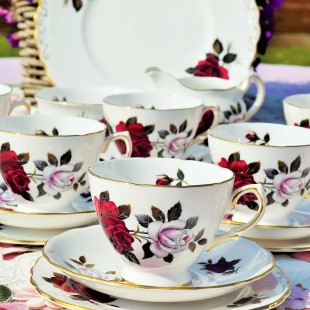COLCLOUGH AMORETTA TEA SET