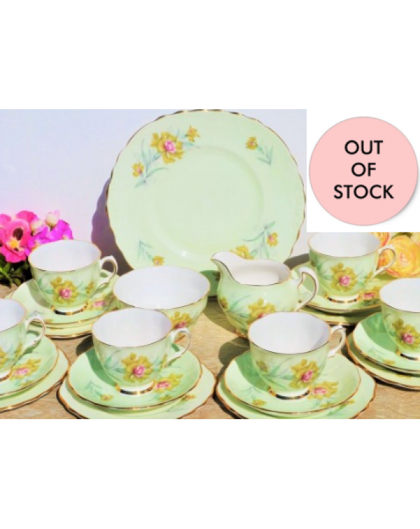 (OUT OF STOCK) COLCLOUGH BACHELORS BUTTON TEA SET