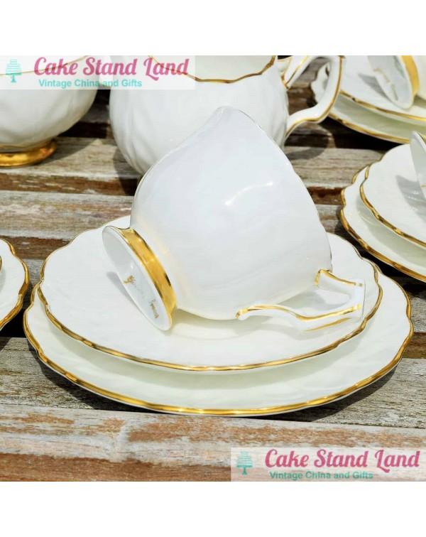 (SOLD) AYNSLEY GOLDEN CROCUS TEA TRIO