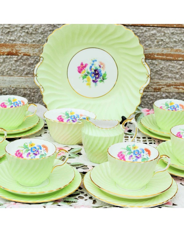 (OUT OF STOCK) AYNSLEY GREEN FLORAL TEA SET