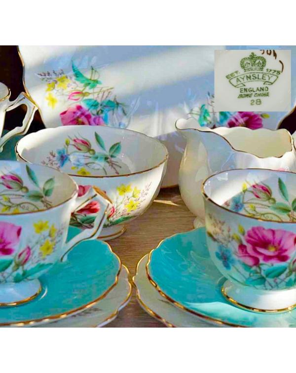 (COMING SOON) AYNSLEY FLORAL BLUE CROCUS TEA SET