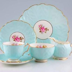 AYNSLEY BLUE CROCUS SHAPE FLORAL TEA SET