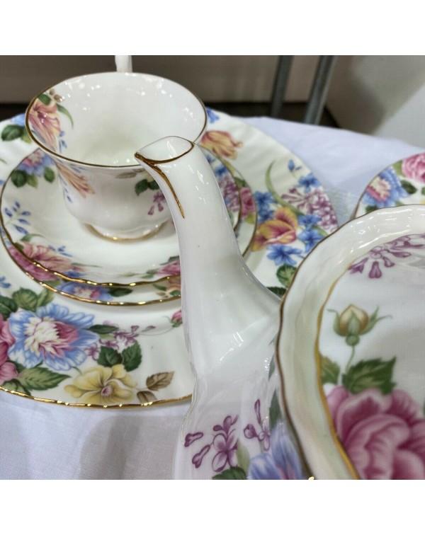 (SOLD) ROYAL ALBERT BEATRICE VINTAGE TEA SET