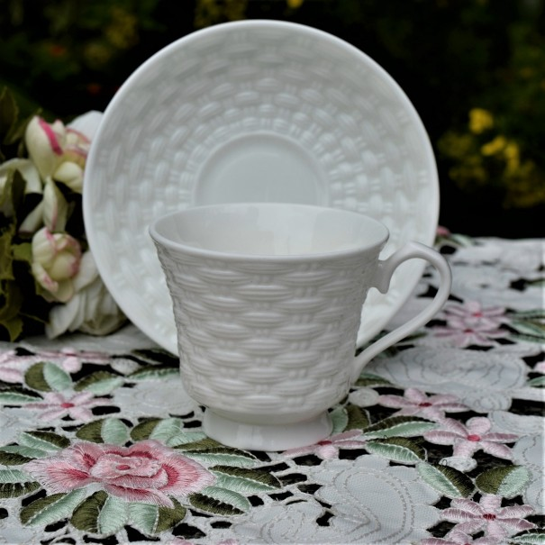 BELLEEK BASKET WEAVE CUP & SAUCER (c)