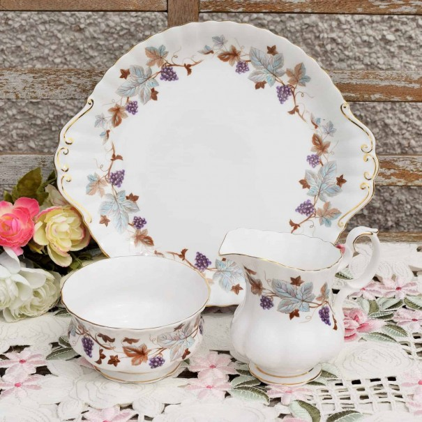(SOLD) ROYAL ALBERT LORRAINE CAKE PLATE SET