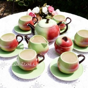 CARLTON WARE APPLE TEAPOT SET