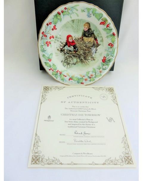 (SOLD) WEDGWOOD VICTORIA & ALBERT MUSEUM CHRISTMAS PLATE