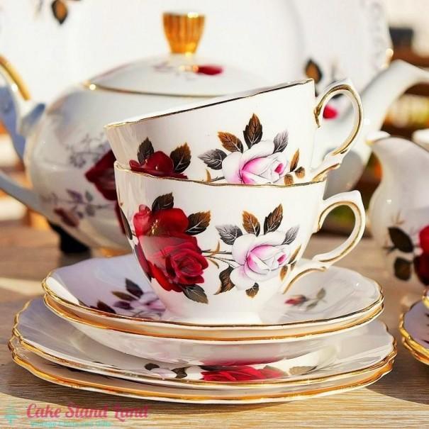 (SOLD) COLCLOUGH AMORETTA TEA TRIO