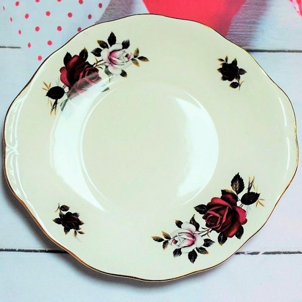 (OUT OF STOCK) COLCLOUGH RED & WHITE ROSE CAKE PLATE