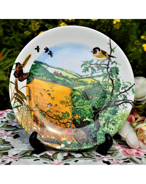 WEDGWOOD COLLECTORS PLATE VILLAGE IN THE VALLEY