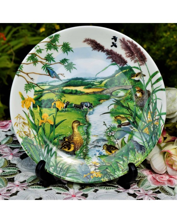 WEDGWOOD COLLECTORS PLATE THE MEANDERING STREAM