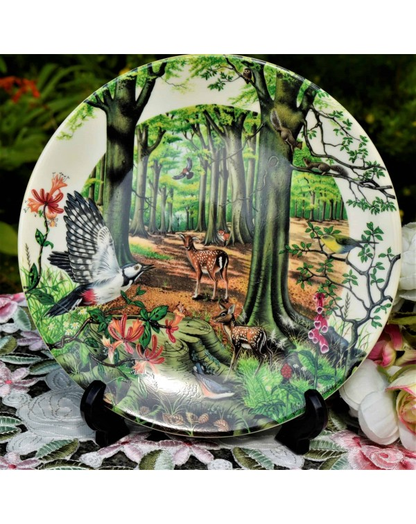 WEDGWOOD COLLECTORS PLATE THE BEECHWOOD