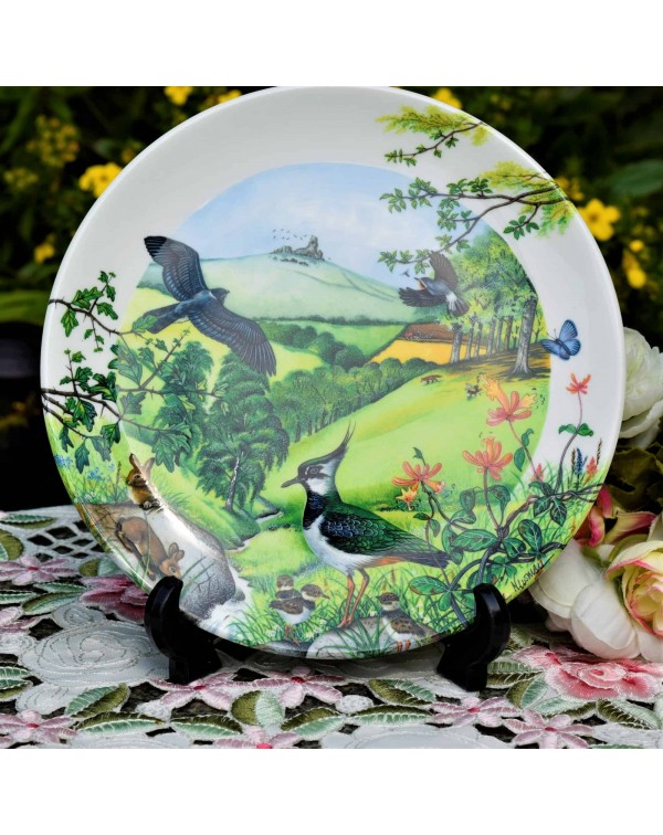 WEDGWOOD COLLECTORS PLATE ROLLING HILLS & GRAS...