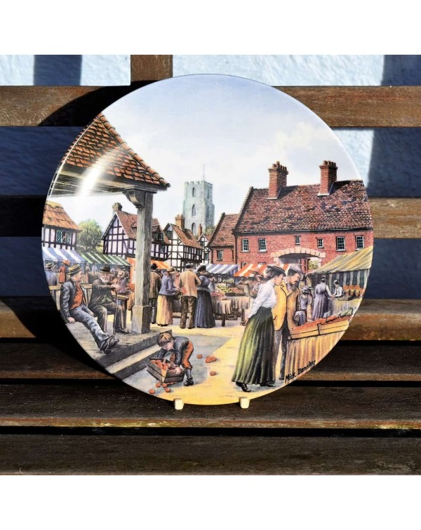ROYAL DOULTON THE MARKET SQUARE COLLECTORS PLATE