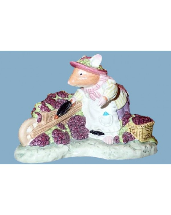 (SOLD) ROYAL DOULTON BRAMBLY HEDGE FIGURINE