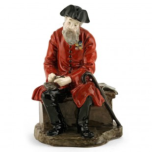 HN689 ROYAL DOULTON CHELSEA PENSIONER VERY RARE