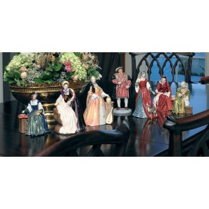 ROYAL DOULTON HENRY 8TH & 6 WIVES