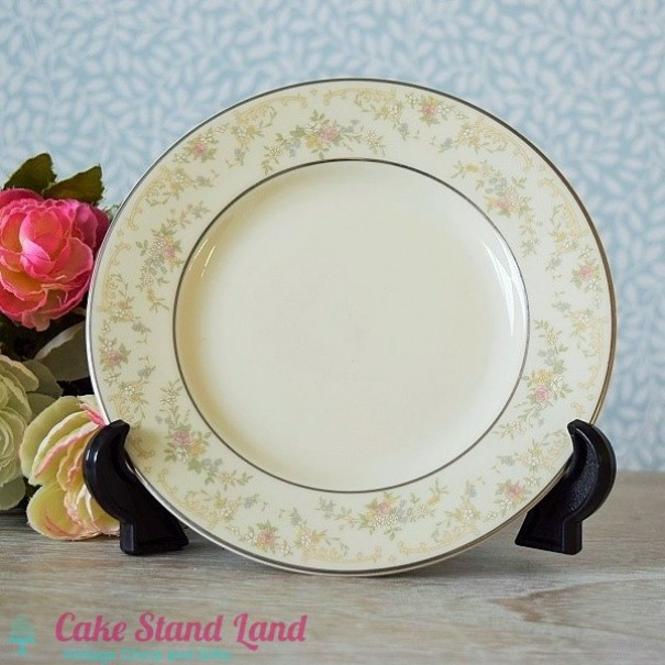 (OUT OF STOCK) ROYAL DOULTON DIANA TEA PLATE