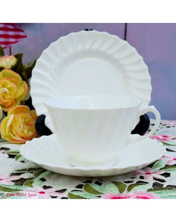 (OUT OF STOCK) ROYAL DOULTON TEA TRIO