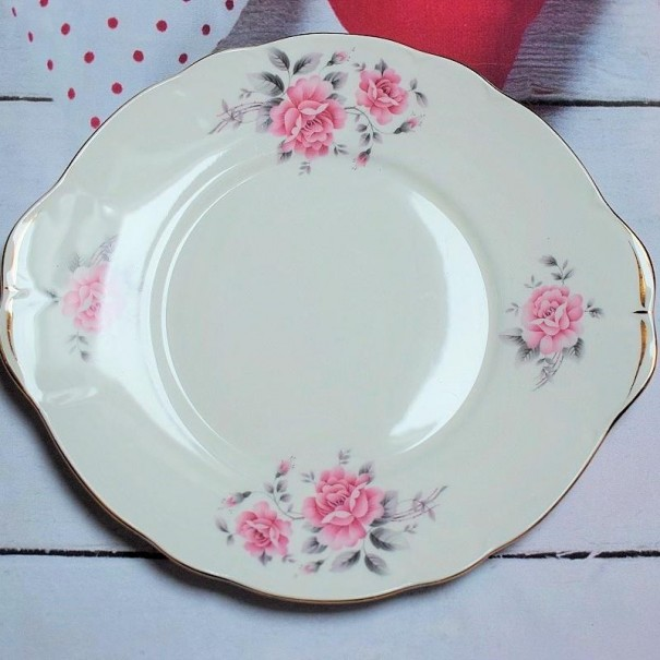 (SOLD) DUCHESS ROSES CAKE PLATE