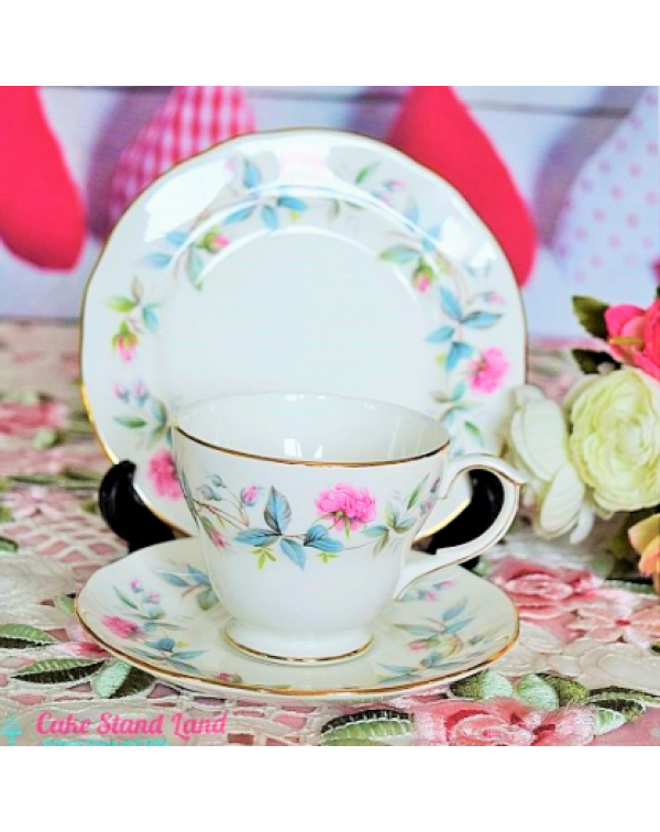DUCHESS BRAMBLE ROSE TEA TRIO