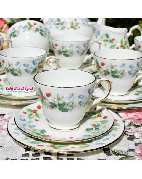 DUCHESS STRAWBERRY FIELDS TEA SET