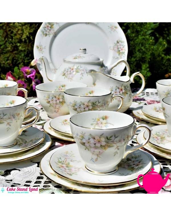 (SOLD) DUCHESS LANSBURY TEAPOT TEA SET