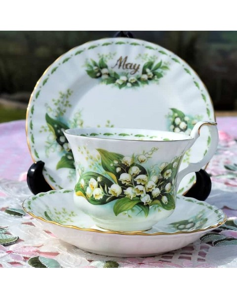 (OUT OF STOCK) ROYAL ALBERT FLOWER OF THE MONTH TRIO MAY.