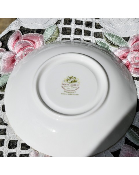 ROYAL ALBERT FLOWERS OF THE MONTH SAUCER JANUARY