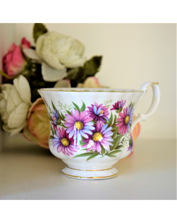 ROYAL ALBERT FLOWERS OF THE MONTH SEPTEMBER CUP