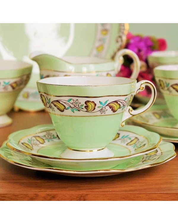 FOLEY VINTAGE TEA TRIO