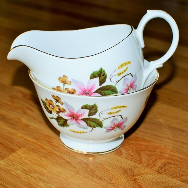 GAINSBOROUGH MILK JUG & SUGAR BOWL