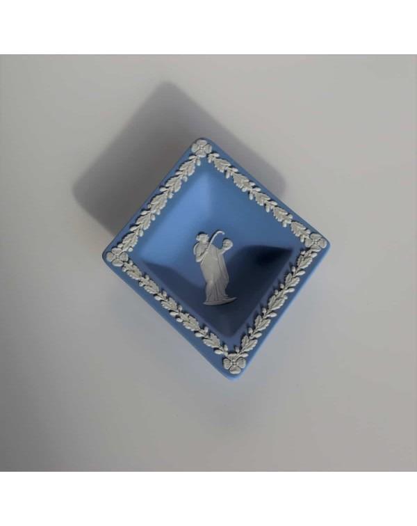 WEDGWOOD JASPERWARE BLUE DIAMOND DISH