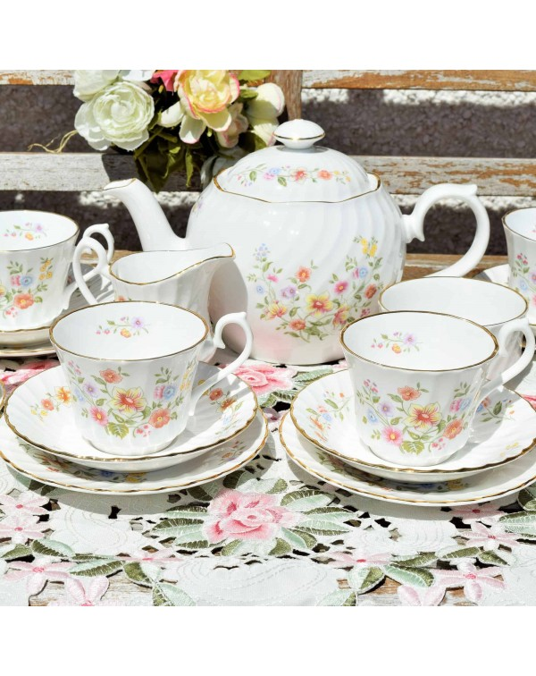(OUT OF STOCK) ROYAL KENDAL FLORAL TEA SET