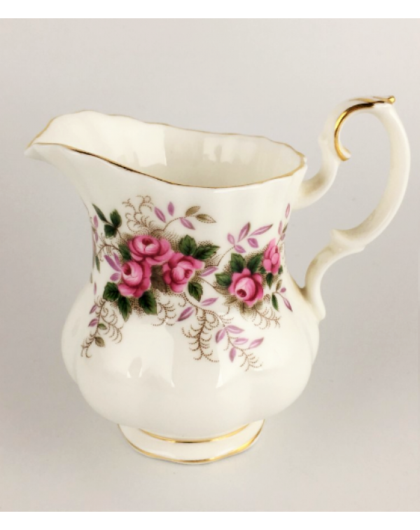 (OUT OF STOCK) ROYAL ALBERT LAVENDER ROSE CREAM JU...