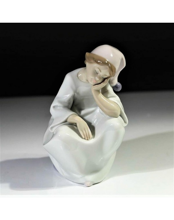 (SOLD) LLADRO JUST RESTING BOXED
