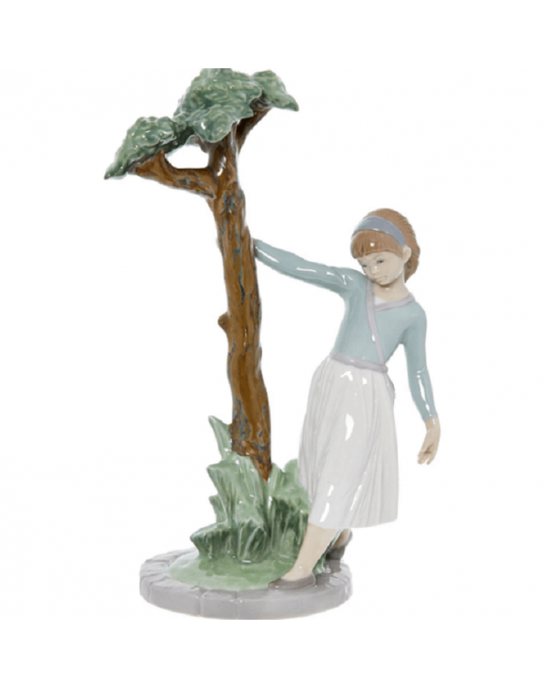 (SOLD) LLADRO TREE OF ADVENTURES GIRL
