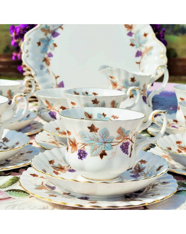 (OUT OF STOCK) ROYAL ALBERT LORRAINE TEA SET