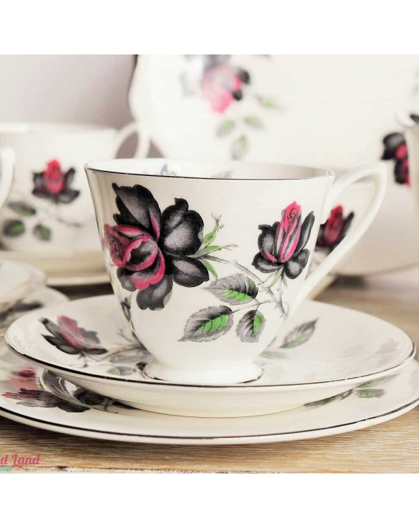 (OUT OF STOCK) ROYAL ALBERT MASQUERADE TEA TRIO