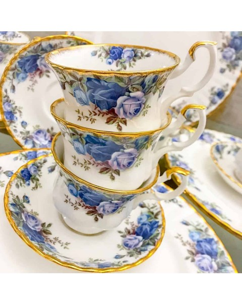 (OUT OF STOCK) ROYAL ALBERT MOONLIGHT ROSE TEA CUP & SAUCER