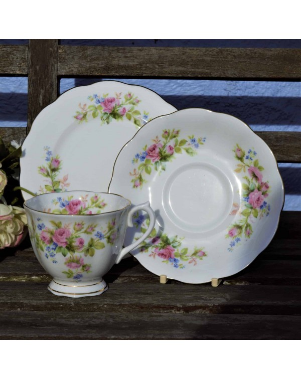 ROYAL ALBERT MOSS ROSE TEA TRIO SMOOTH