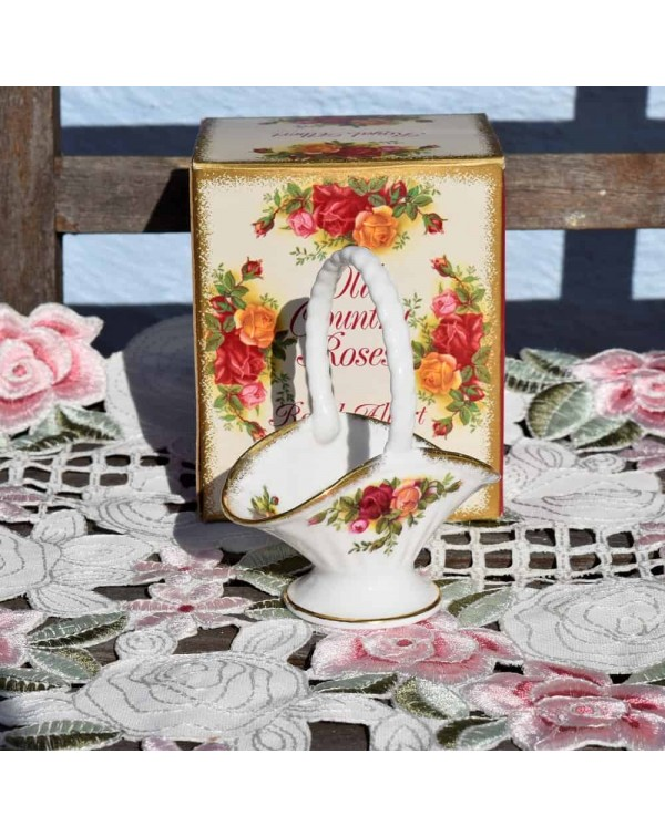 OLD COUNTRY ROSES POSY BASKET