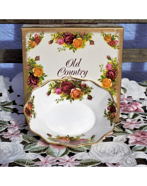 OLD COUNTRY ROSES FLUTED DISH
