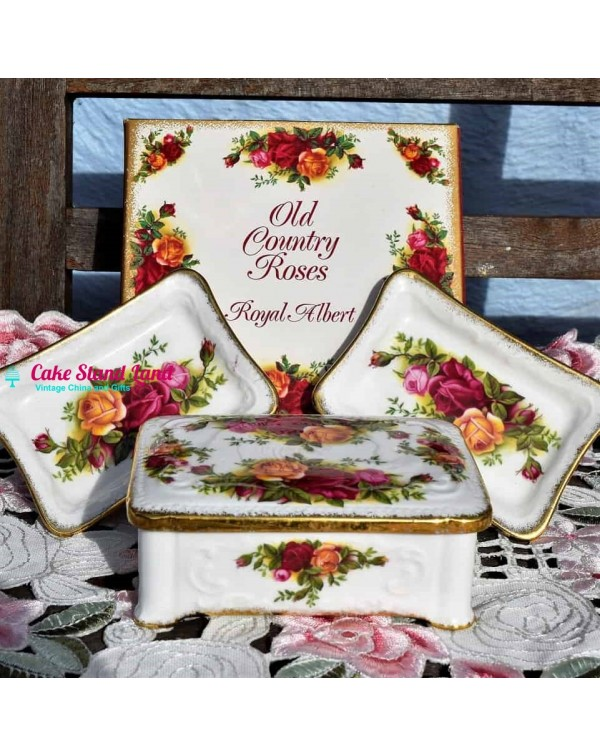 (SOLD) OLD COUNTRY ROSES 3 PIECE TRINKET BOX SET