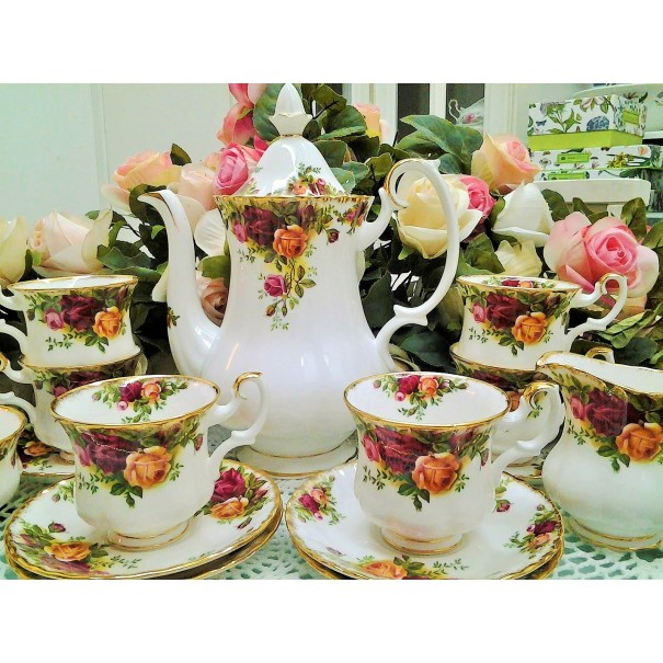 (SOLD) OLD COUNTRY ROSES COFFEE SET