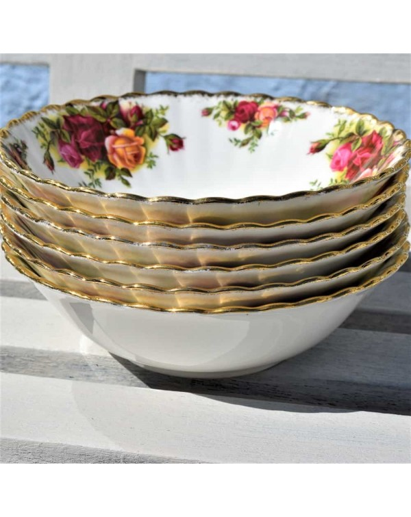 OLD COUNTRY ROSES PUDDING BOWL 1962