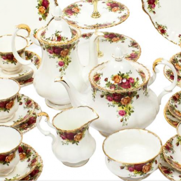 (OUT OF STOCK) COMPLETE OLD COUNTRY ROSES TEA SET FOR 12