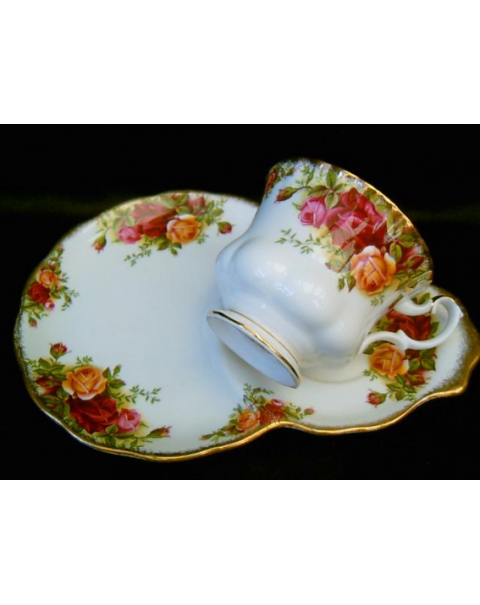 (OUT OF STOCK) ROYAL ALBERT OLD COUNTRY ROSES TENNIS SET