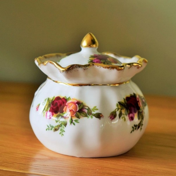 (OUT OF STOCK) OLD COUNTRY ROSES DOROTHY POT