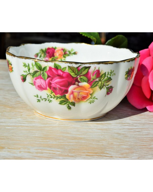 ROYAL ALBERT OLD COUNTRY ROSES AVON SUGAR BOWL